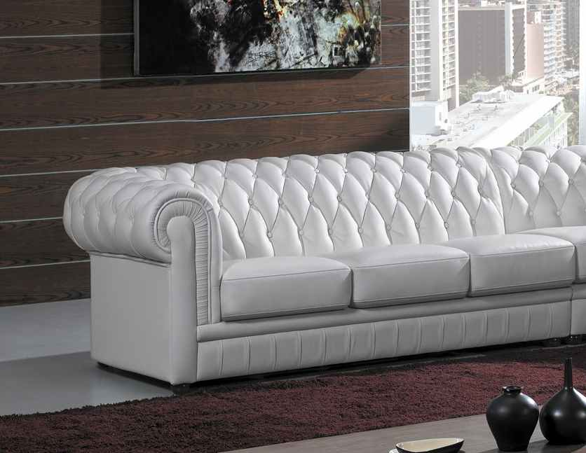 Deco in paris grand canape d angle capitonne blanc chesterfield can angledr - Canape chesterfield cuir blanc ...